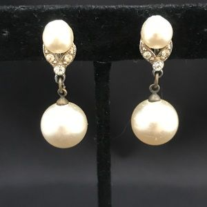 Vintage pearl and rhinestone dangle screw backs